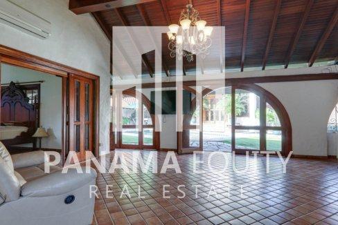 Mediterranean-Style Villa for sale in Altos del Golf  (3)