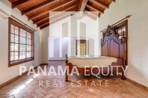 Mediterranean-Style Villa for sale in Altos del Golf  (5)