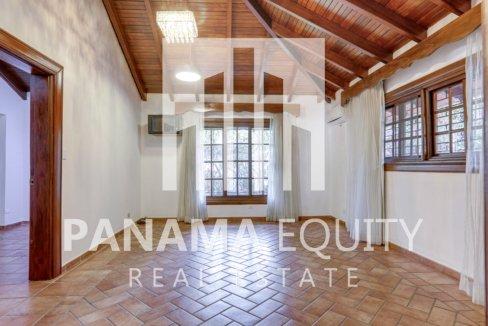 Mediterranean-Style Villa for sale in Altos del Golf  (6)