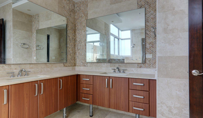 3-bedroom Condo in Torres del Pacifico for Rent in San Francisco Panama (4)