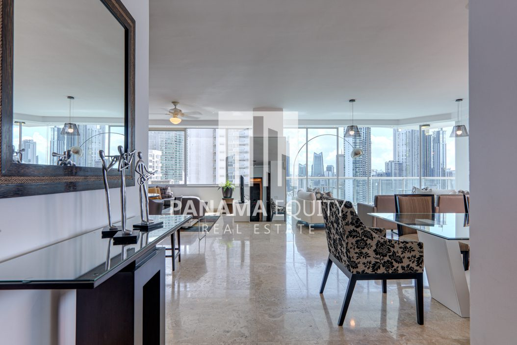 Incomparable Skyline: Furnished Apartment for rent in Sky Residences, Avenida Balboa