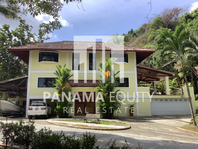 House in Albrook for Sale