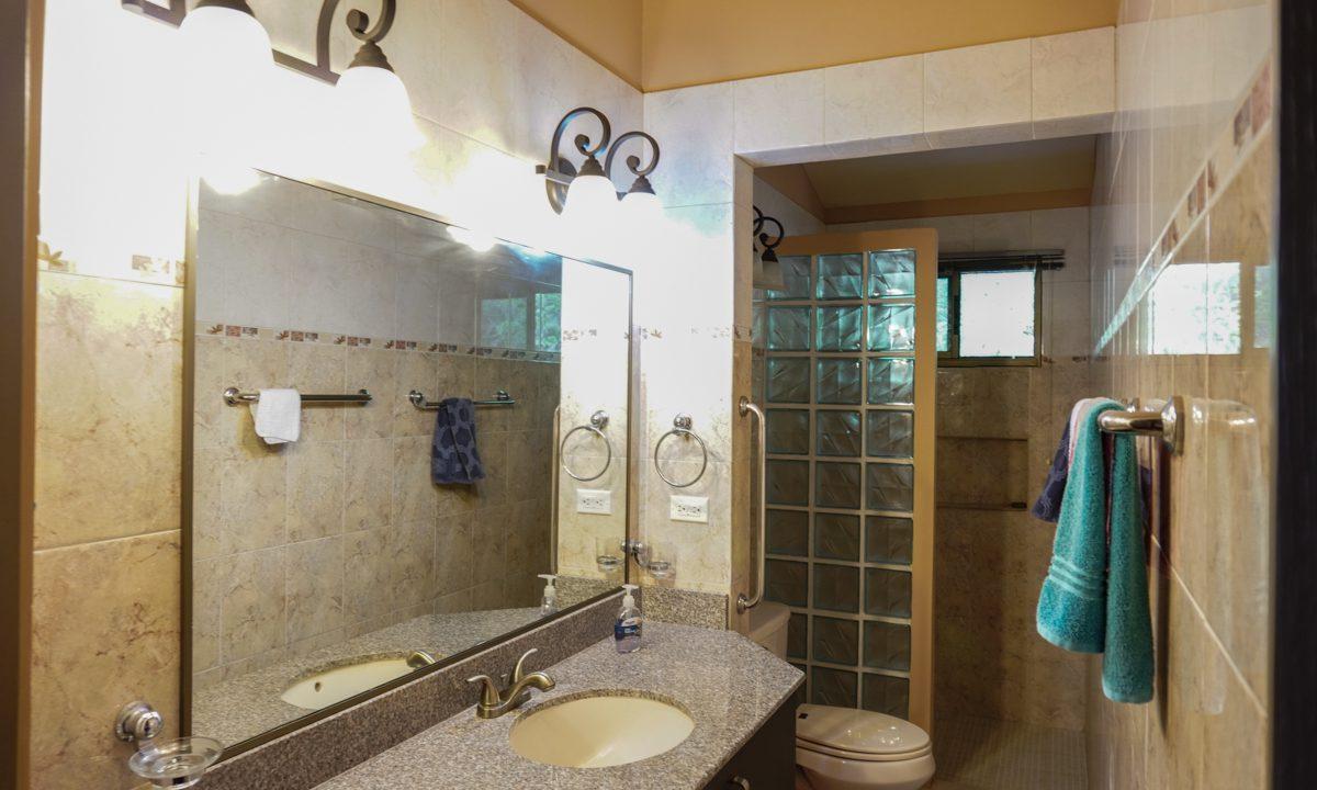 Valencia House for Sale in Altos del Maria (10)