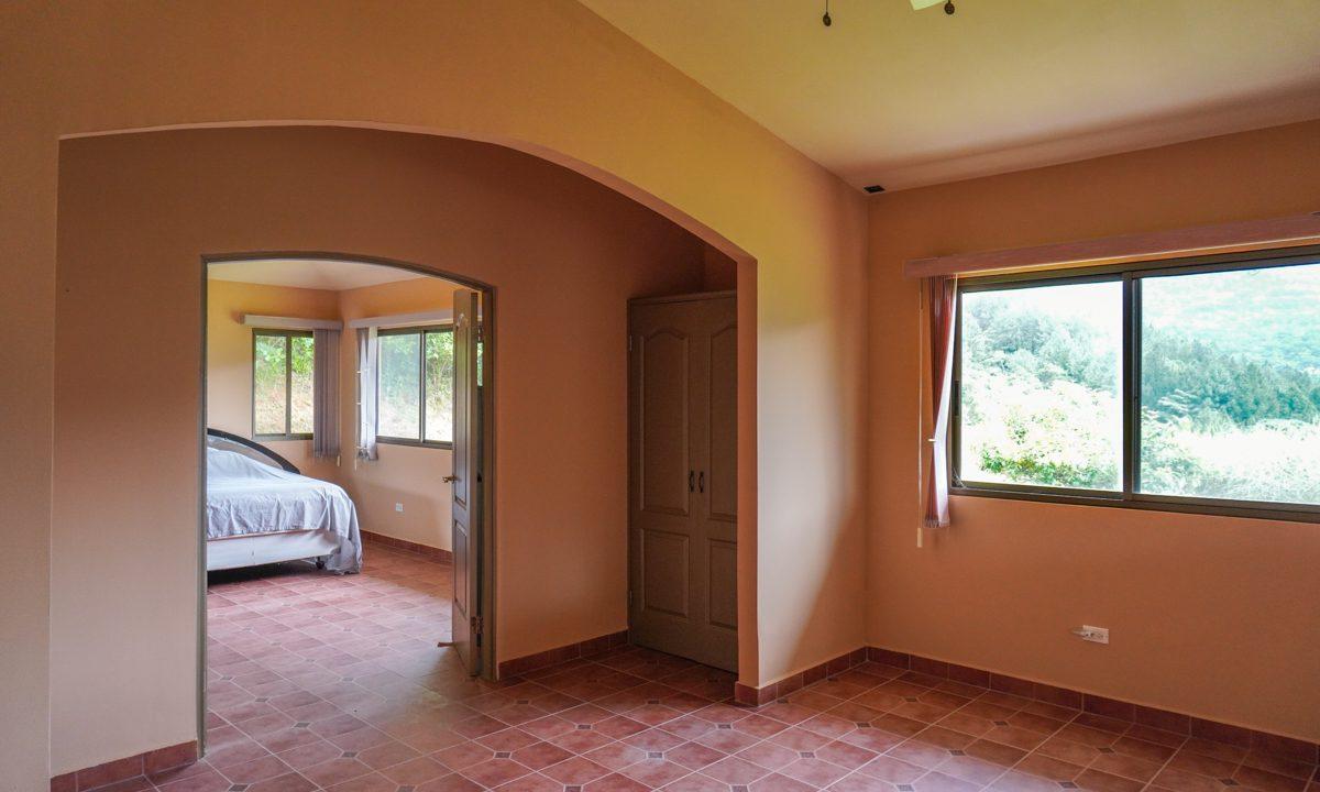 Valencia House for Sale in Altos del Maria (17)