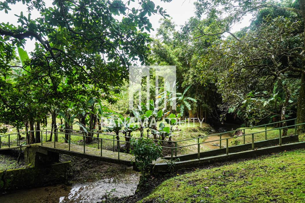 El Valle House for Sale