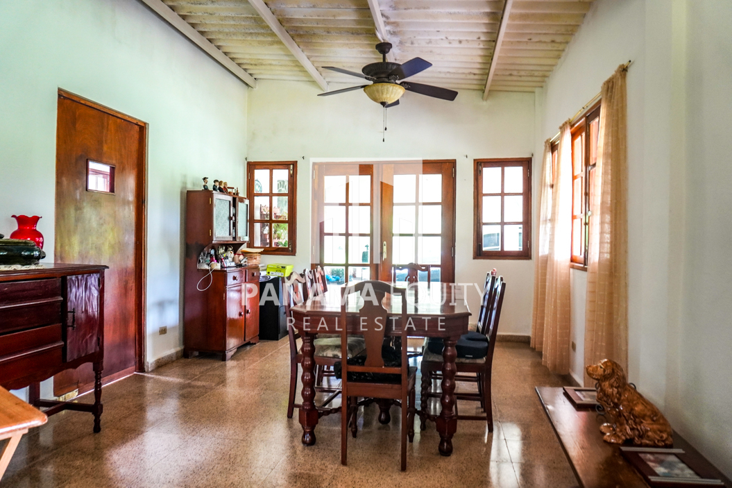 Land House for Sale in El Valle 3
