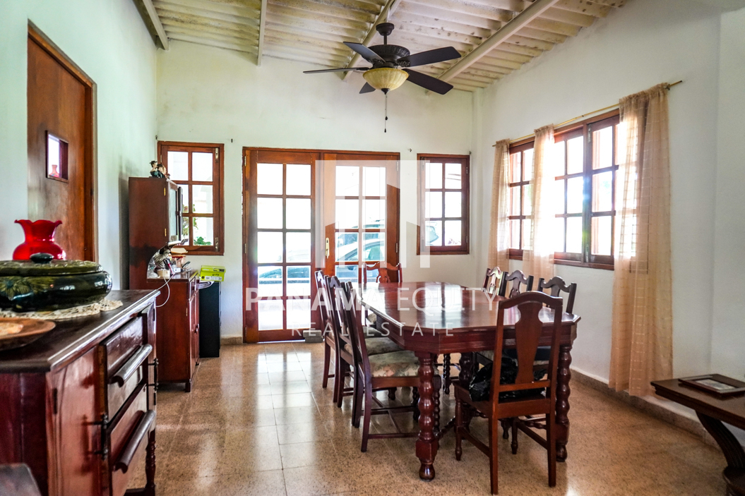 Land House for Sale in El Valle 4