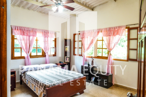 Land House for Sale in El Valle 8