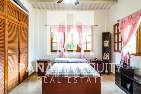 Land House for Sale in El Valle 9