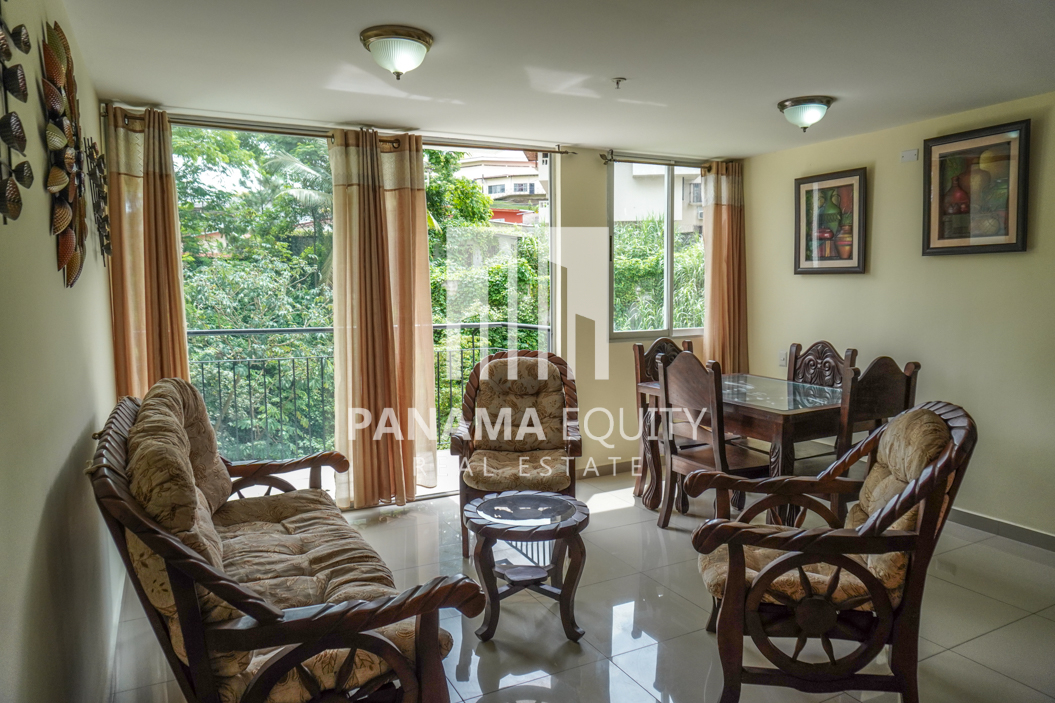 Well Maintained Two-bedroom Apartment for sale by the University's neighbors