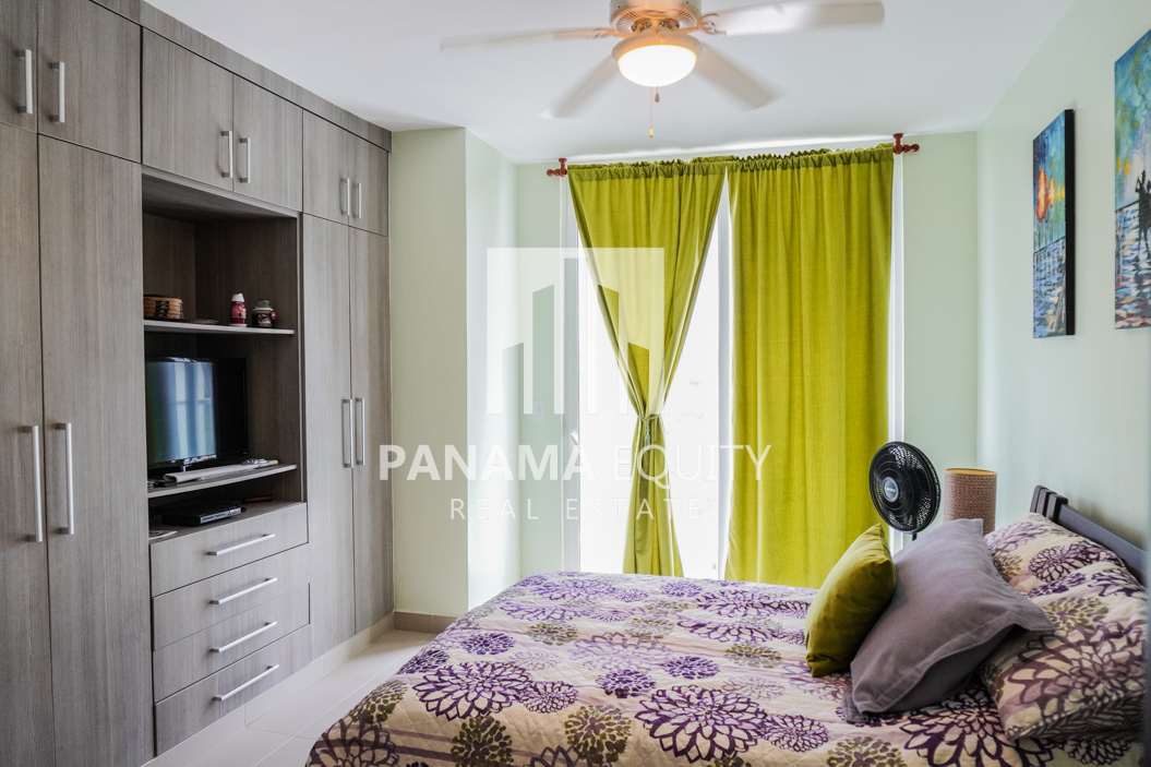 Two-Bedroom Apartment for Sale in Corona 22
