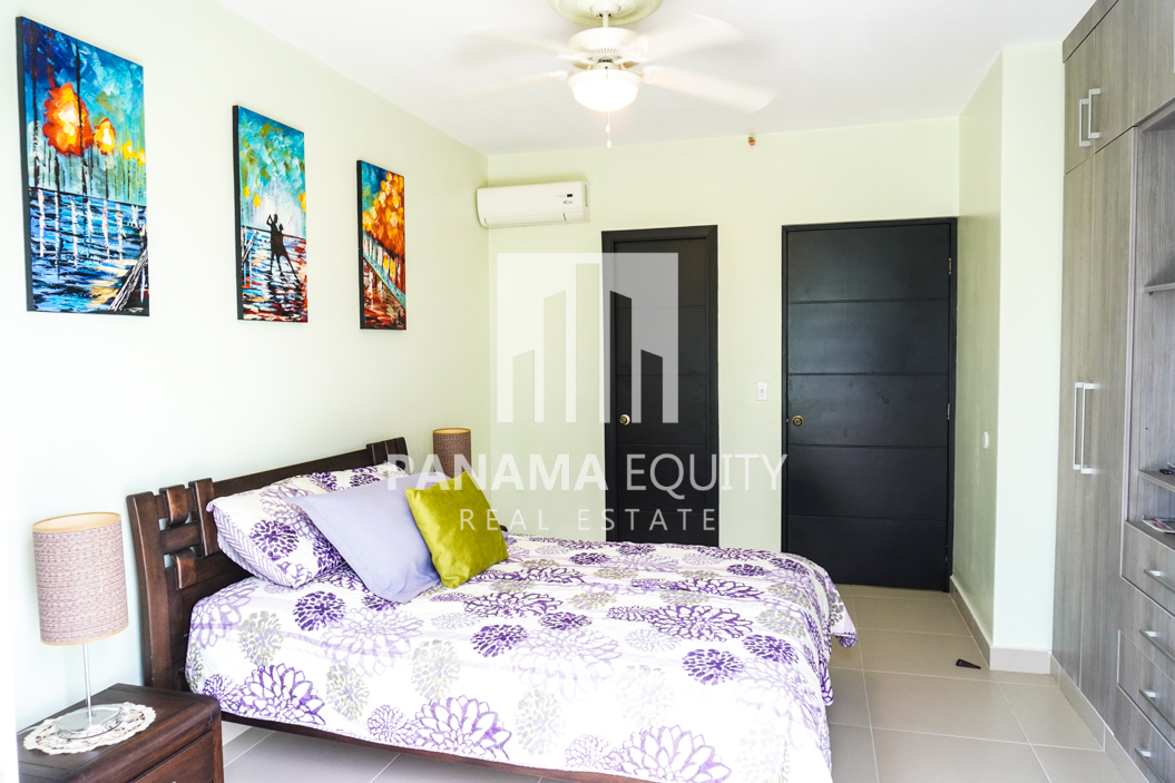 Two-Bedroom Apartment for Sale in Corona 25