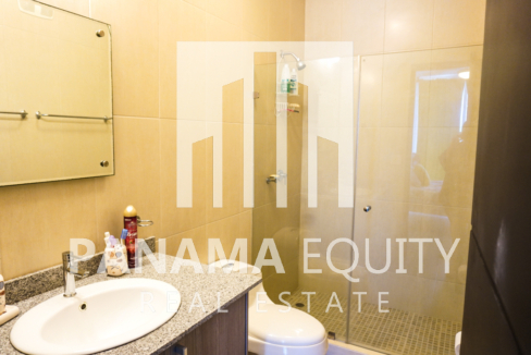 Two-Bedroom Apartment for Sale in Corona 29