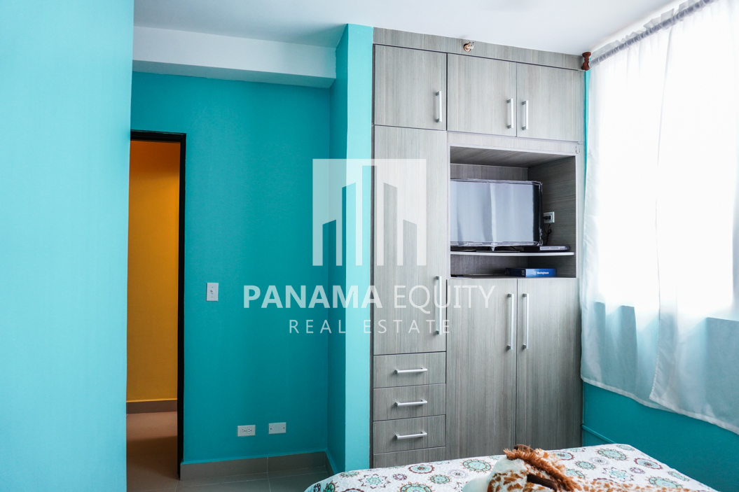 Two-Bedroom Apartment for Sale in Corona 32