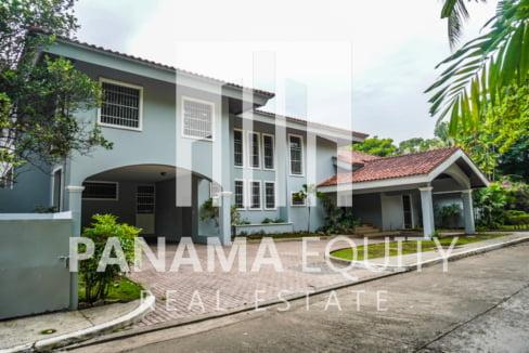 Two-Floor House Parque Lefevre for Sale 1