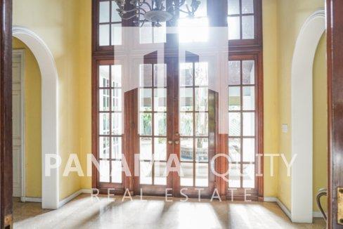 Two-Floor House Parque Lefevre for Sale 11