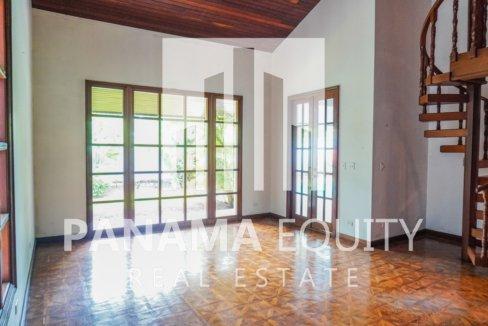 Two-Floor House Parque Lefevre for Sale 13