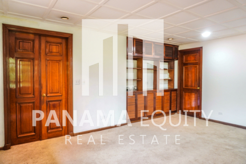 Two-Floor House Parque Lefevre for Sale 19