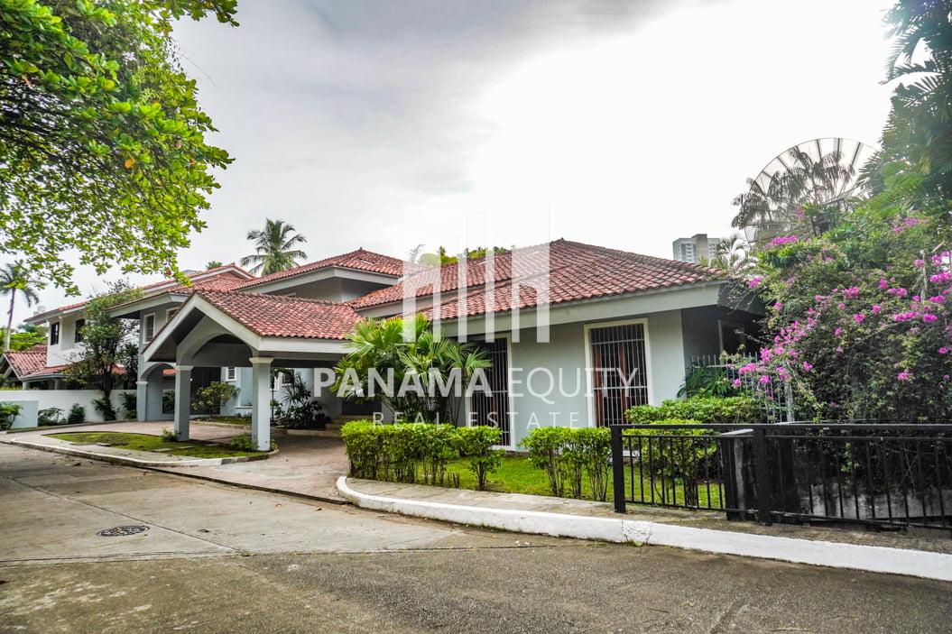 Two-Floor House Parque Lefevre for Sale 2