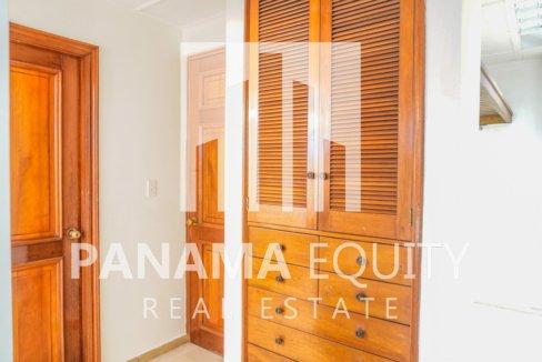 Two-Floor House Parque Lefevre for Sale 22