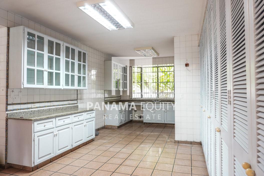 Two-Floor House Parque Lefevre for Sale 3