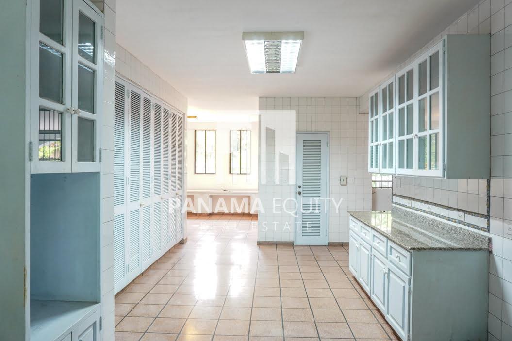 Two-Floor House Parque Lefevre for Sale 4
