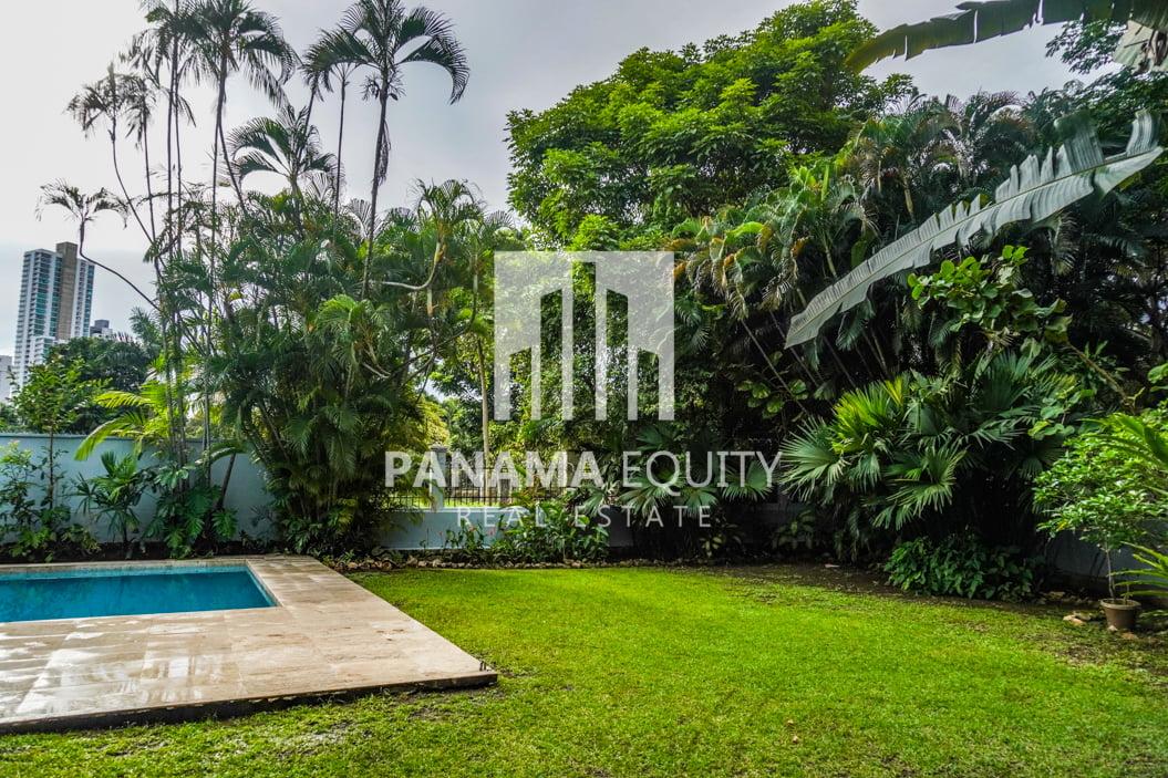 Two-Floor House Parque Lefevre for Sale 40