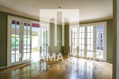 Two-Floor House Parque Lefevre for Sale 5