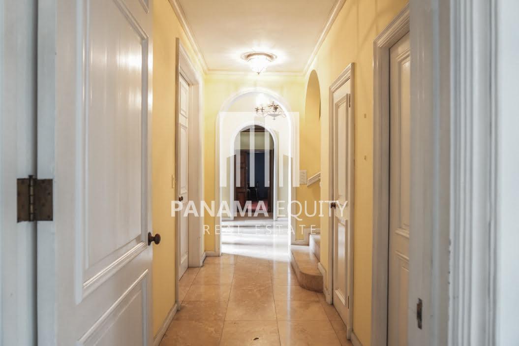 Two-Floor House Parque Lefevre for Sale 6
