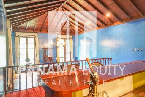 Two-Floor House Parque Lefevre for Sale 8