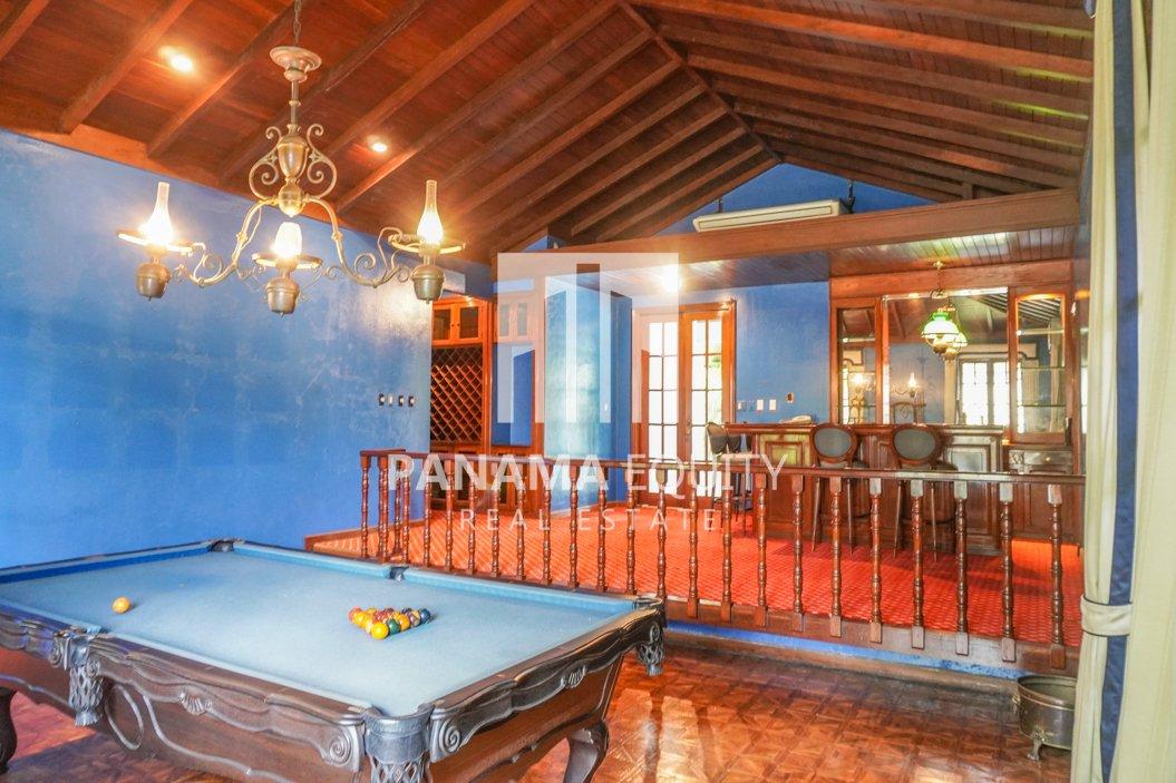 Two-Floor House Parque Lefevre for Sale 9