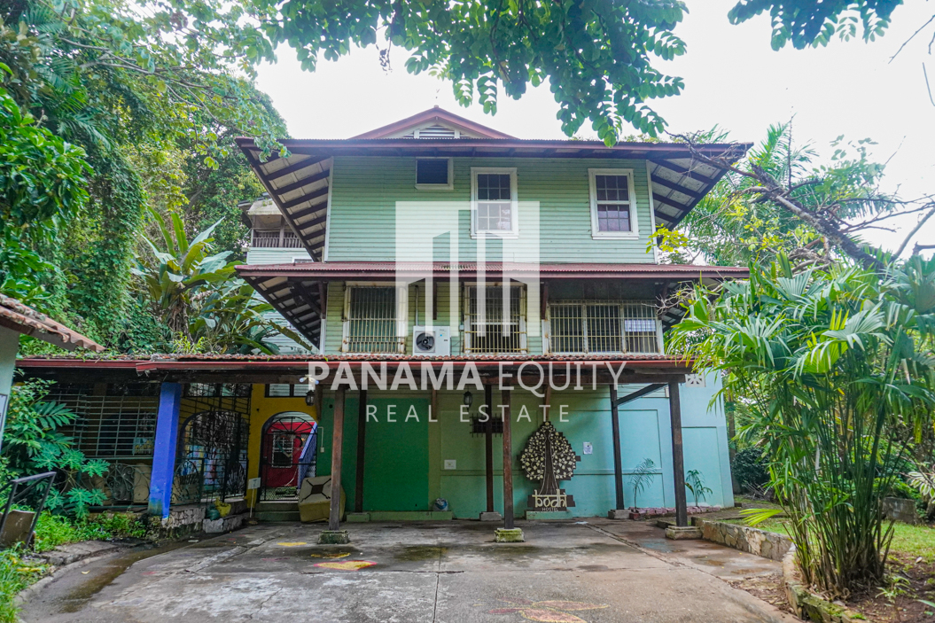 Both Sides of a Duplex Residence Home For Sale in Ancon Panama