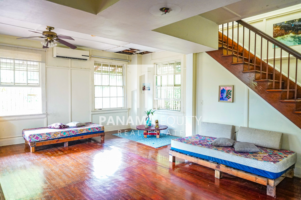 Two Houses for Sale in Ancon 18