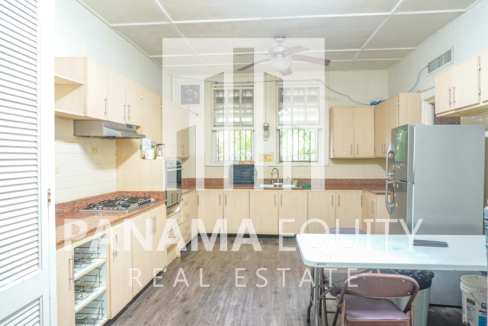 Two Houses for Sale in Ancon 19