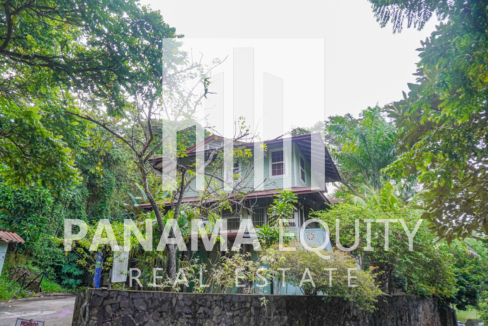 Two Houses for Sale in Ancon 2