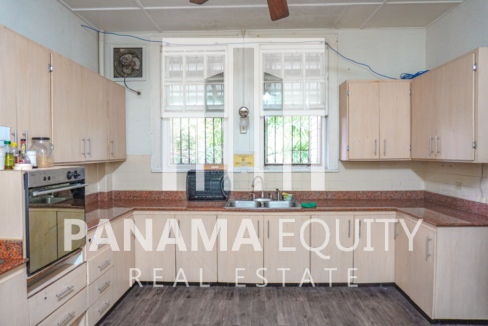 Two Houses for Sale in Ancon 21