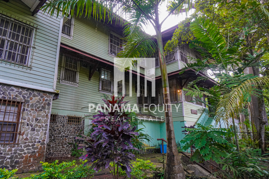 Two Houses for Sale in Ancon 23