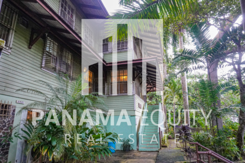 Two Houses for Sale in Ancon 24