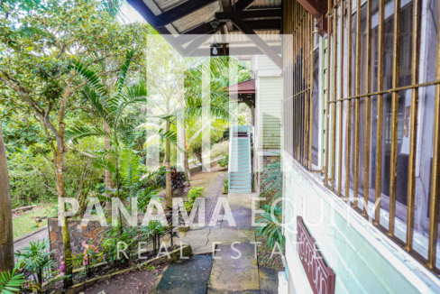 Two Houses for Sale in Ancon 25