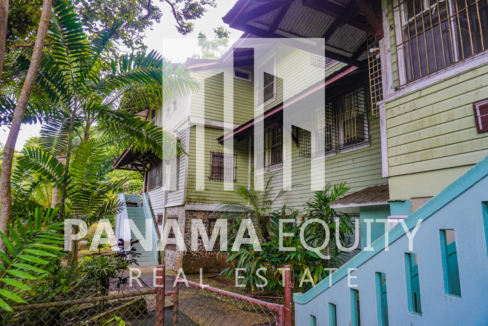Two Houses for Sale in Ancon 3.1
