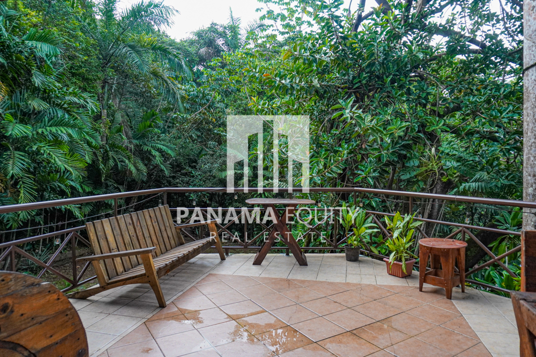 Two Houses for Sale in Ancon 3