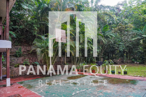 Two Houses for Sale in Ancon 4-1