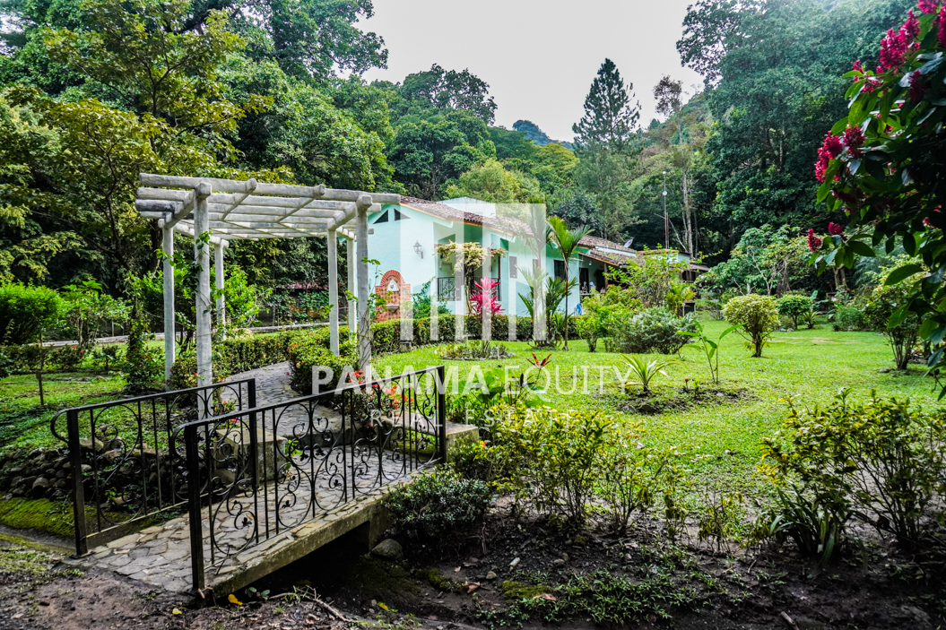 Panama Mountain Home with Detached Unit: Great for Airbnb and Gardening!