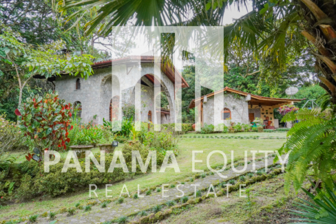 Picturesque El Valle Home For Sale